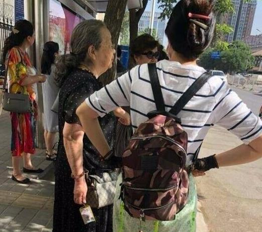李老师1.png