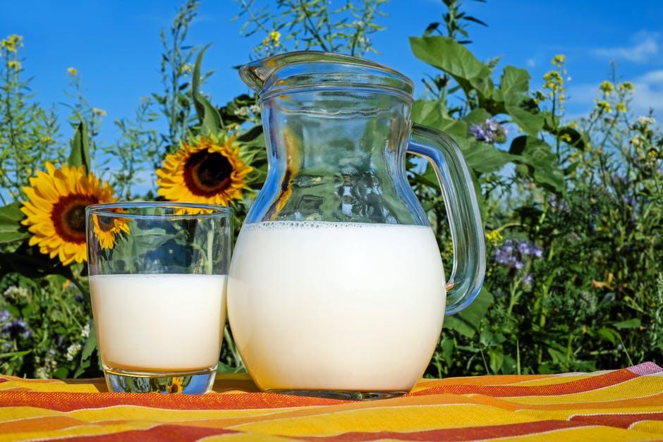 牛奶.jpeg